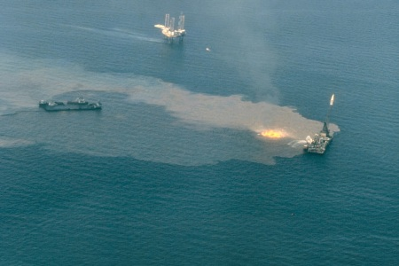 offshore oil well drilling blowout