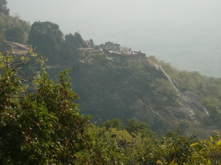 The Vulture's Rock / Gigzagote hill ဂဇၨဂုတ္ေတာင္ where Buddha resided and meditated during His stay in Rajgir / Yarzagyo ရာဇျဂိဳလ္