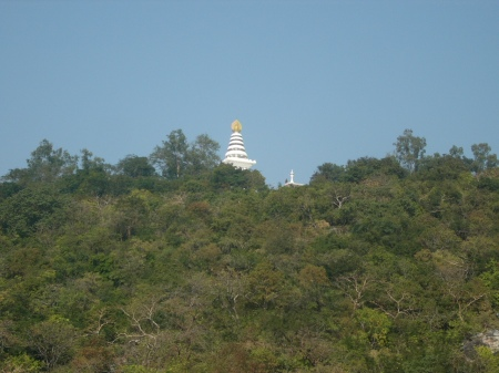 The hill near the Vulture's Rock / Gigzagote hill ဂဇၨဂုတ္ေတာင္ from which Devadatta pushed down a stone down on Buddha