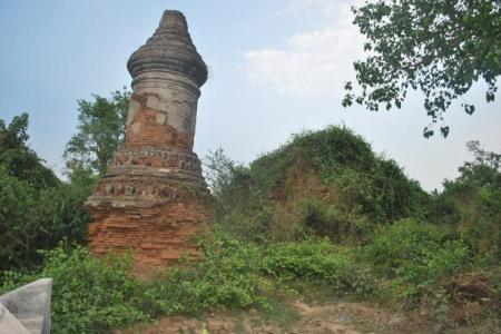 tomb of former Siamese King Uthumphon r